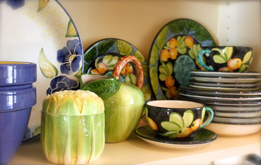 how to display dishes
