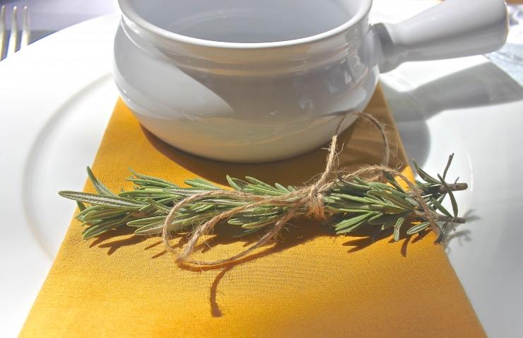 Rosemary table details. Easy for entertaining