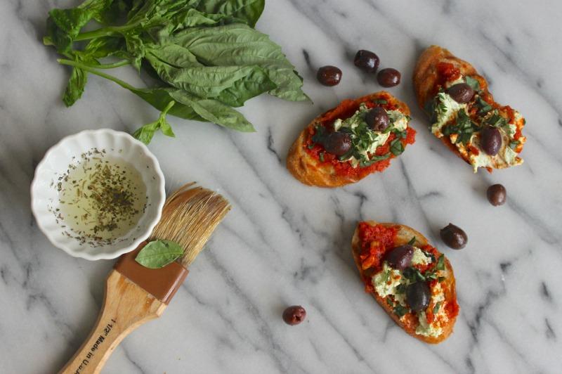 sun dried tomato pesto toast