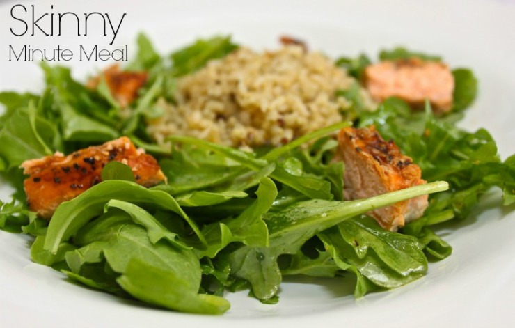Skinny minute meal. Simple arrugal salad with quinoa and salmon.